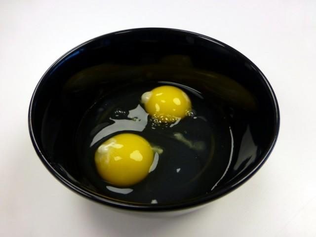 Paleo-Breakfast_06_Add-Eggs