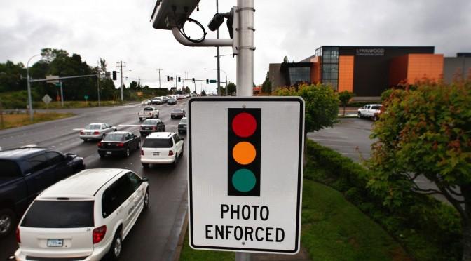 Red-Light-Camera-Lynnwood-WA_by-Dan-Bates-Everett-Herald